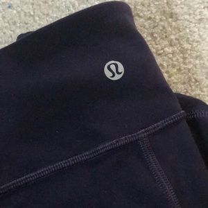 lululemon athletica Pants - Lululemon Cropped Leggings